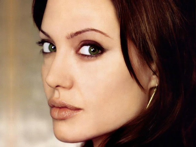 Angelina Jolie Photos, Pictures, and Wallpaper