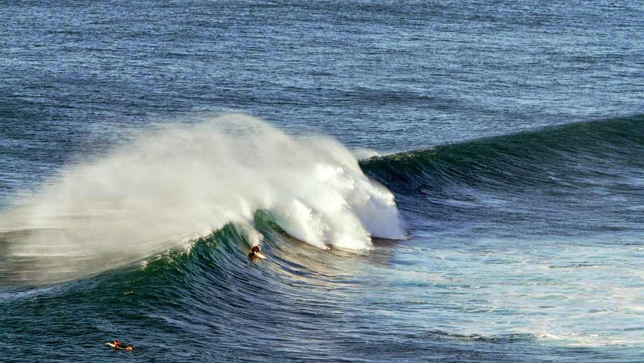 surfing menakoz 19