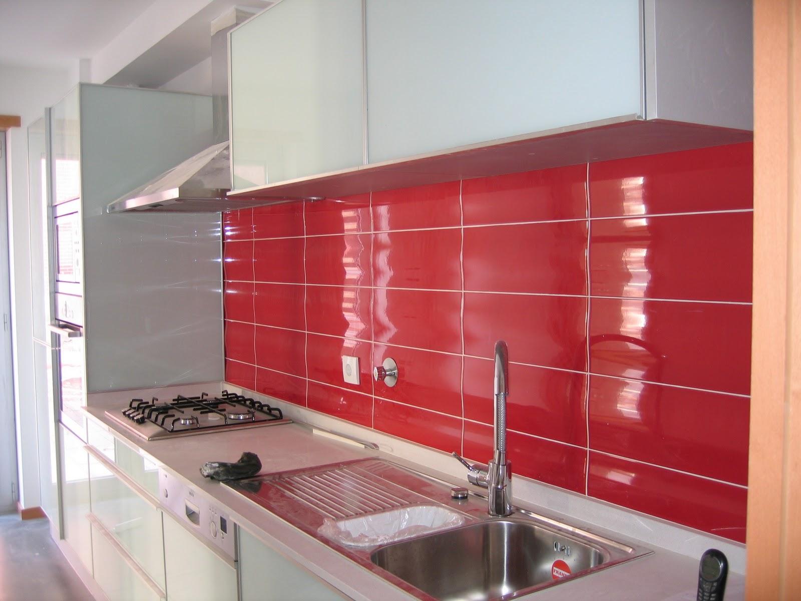 decoracao de cozinha na cor vermelha:OLHAR DE FORMIGUINHA: VERMELHO, LARANJA E AMARELO e um pouco de