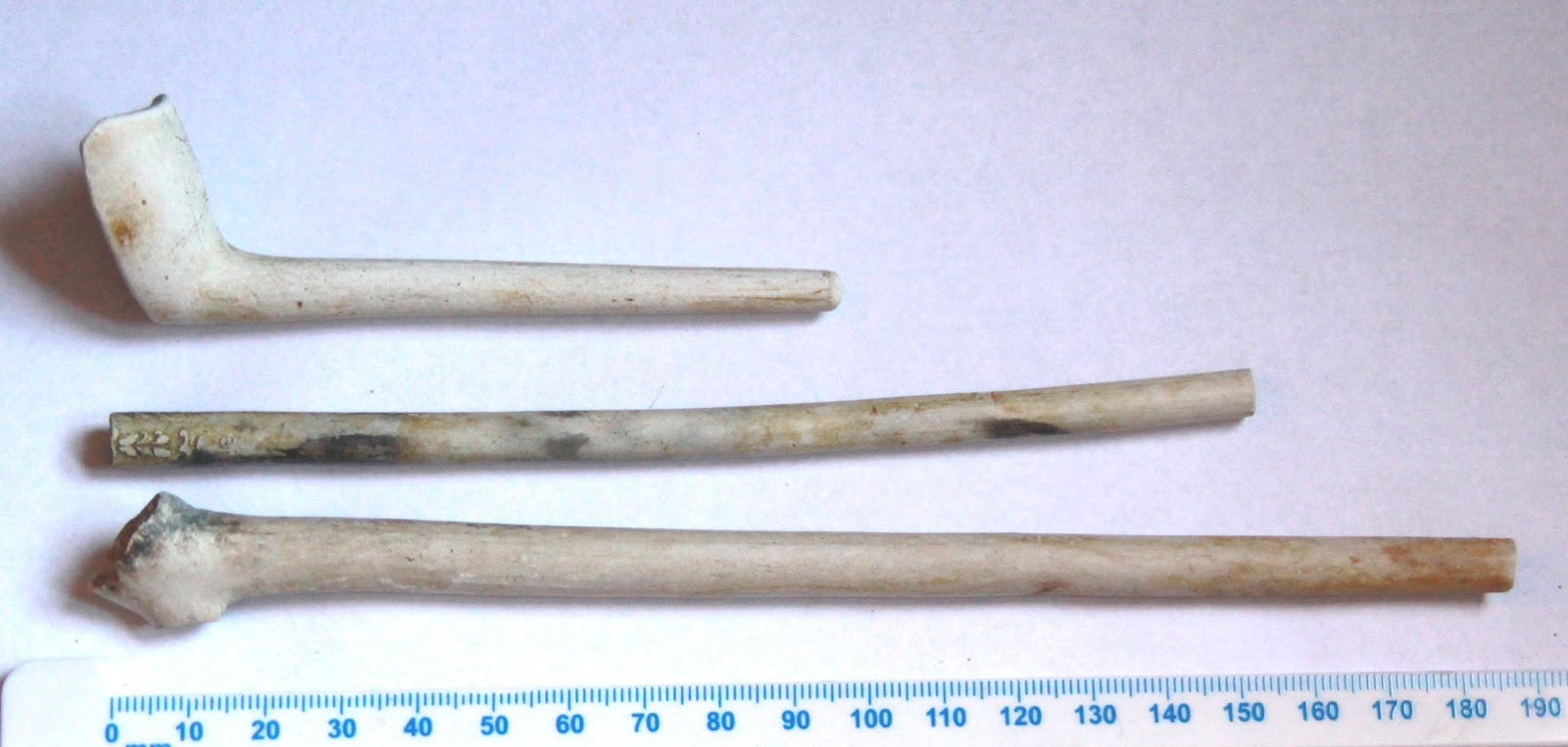 the clay pipe Clay tobacco pipes are a common artifact type found in historic euro-american archaeological sites these inexpensive and disposable items were generally manufactured, used, and thrown away within a very short span of time, and individual styles can often be traced to specific manufacturer and period of production.