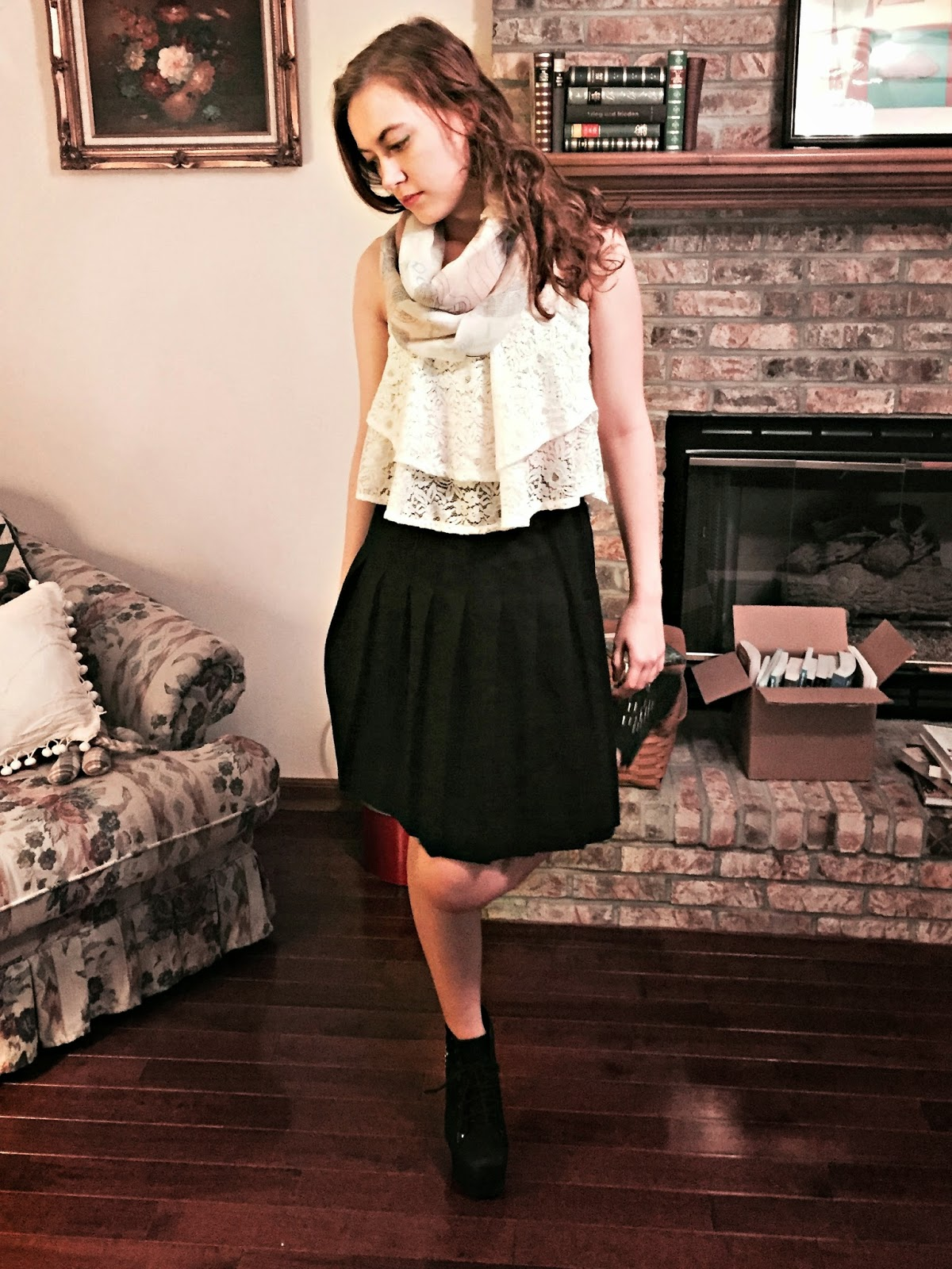 high-waisted-skirt-outfit