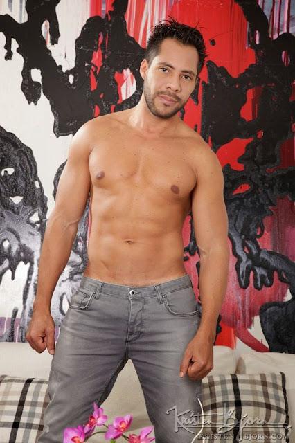 Ansony, desnudo, fotos explicitas, gay, Hombre, Homoerotico, Homosexual, James Castle, miembro viril, modelo, pareja., pornstar, stripper, video porno,