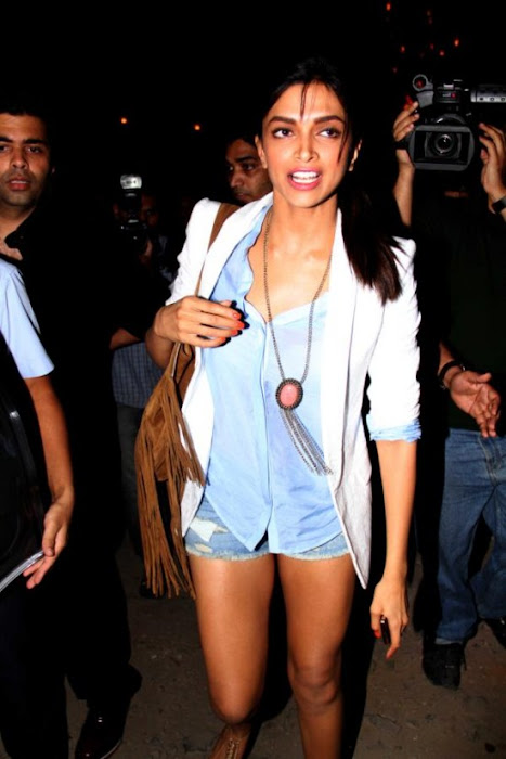 deepika padukone snapped at bosco-caesar party hot images
