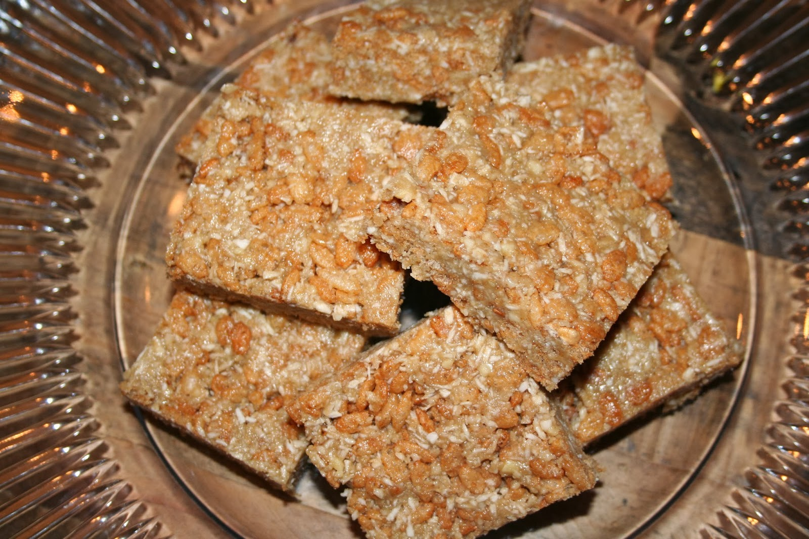 Recipe Review: Brown Rice Crispy Treats from Queen of Quinoa ...