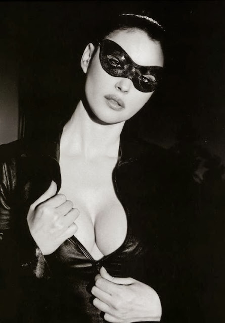 Fetish Inspirations : Monica Bellucci With Bunny Mask By Ellen Von Unwerth