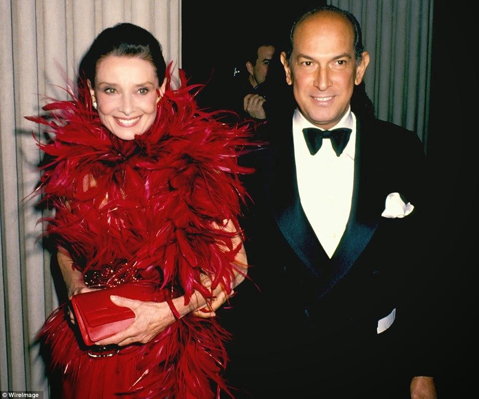 Oscar de la Renta with Audrey Hepburn by WireImage | Ses Rêveries