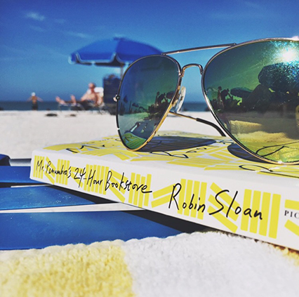 beach reads, beach sun glasses, free people sunglasses, top gun aviators, spring fashion
