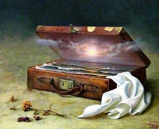 Coucher de soleil sur la mer enfermé dans une valise