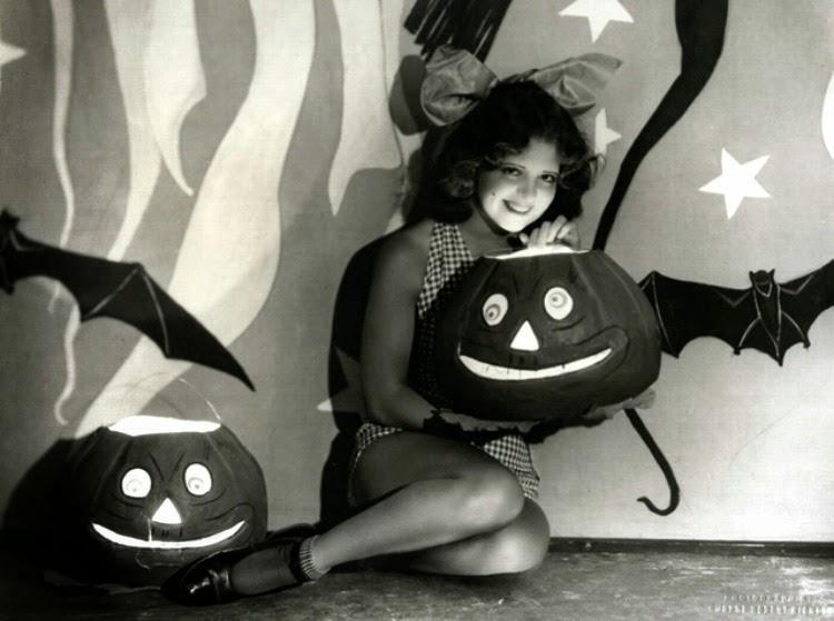 A Vintage Nerd, Vintage Halloween Pinups, Vintage Blog