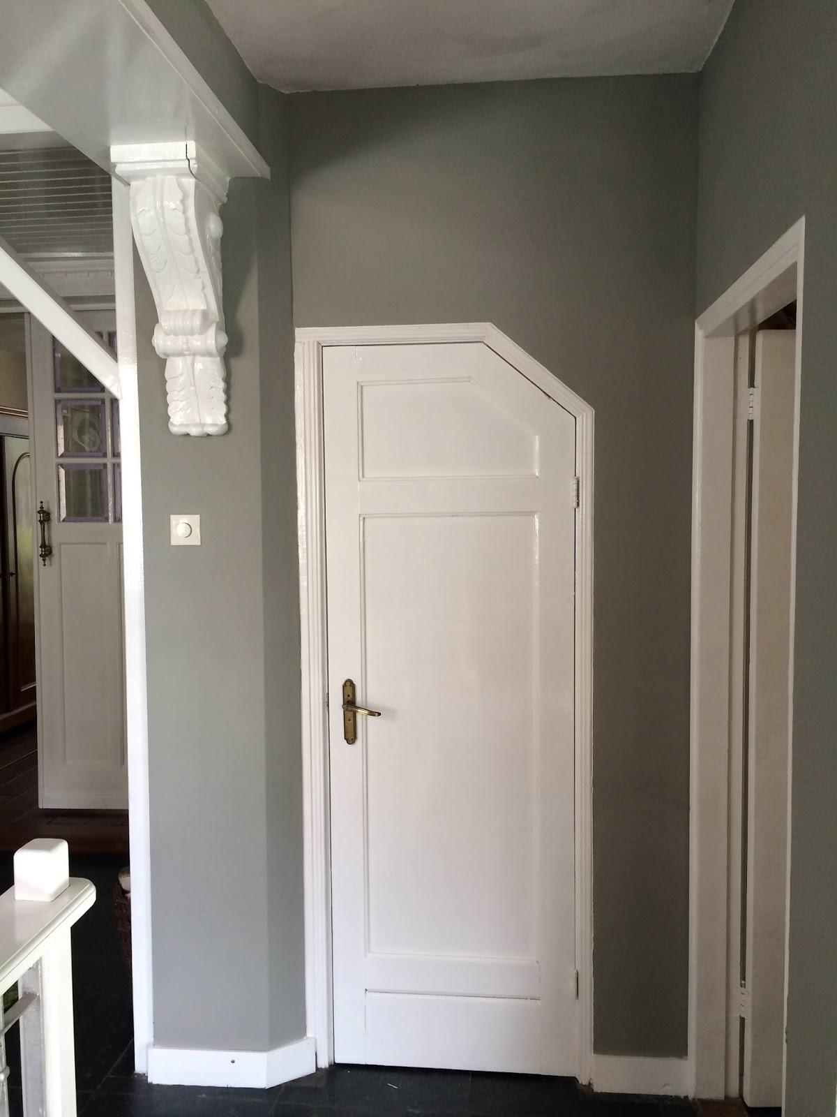 Welke muurverf grijze bank parquet beste inspiratie voor huis ontwerp - Grijze verf leisteen ...