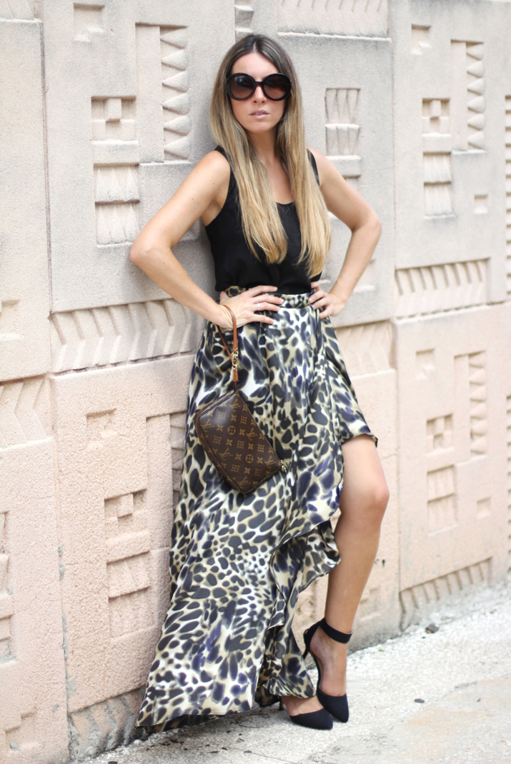 Animal print skirt blogger