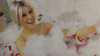 Charlotte Caniggia baño champagne