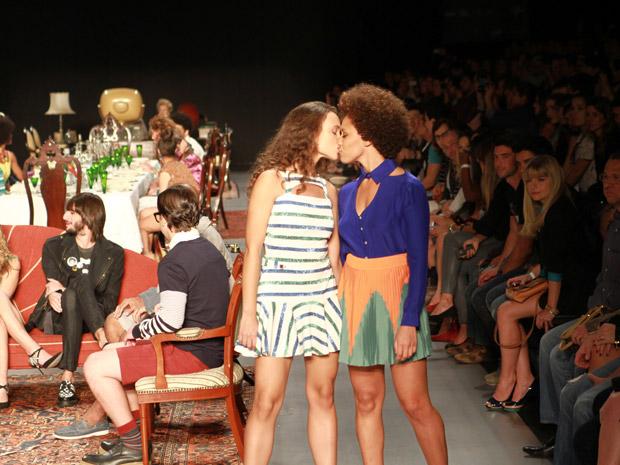 Desfile Reserva - Fashion Rio Primavera/Verão 2013 (Foto: André Bittencourt)