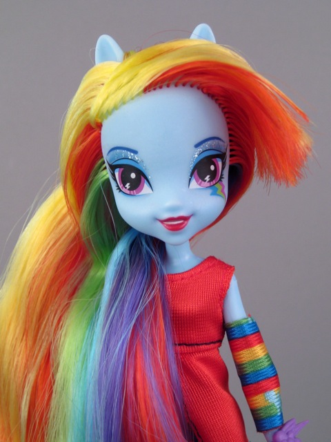 Equestria Girl Rainbow Dash