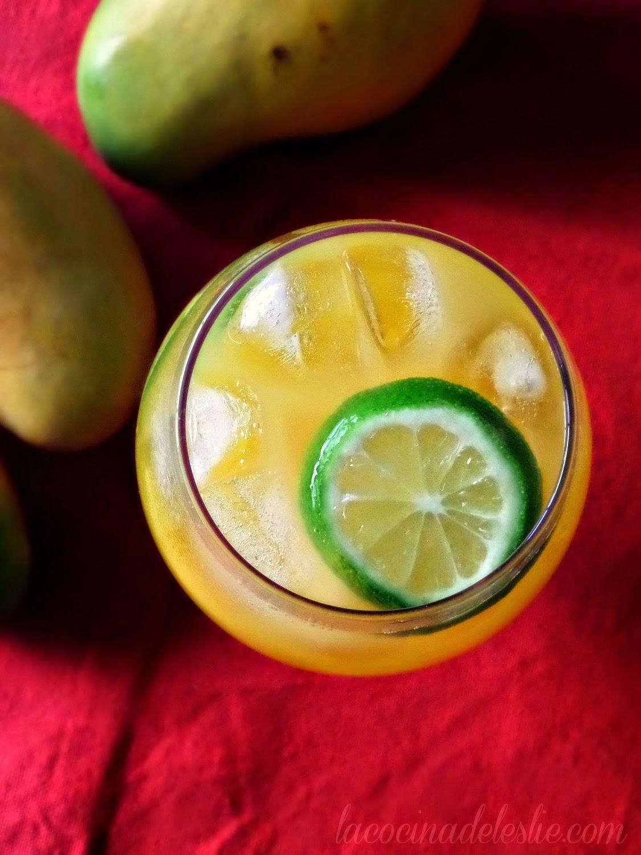 Agua Fresca de Mango y Limón - lacocinadeleslie.com