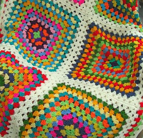 crochetingclub: Jan Eaton: willow granny square tutorial