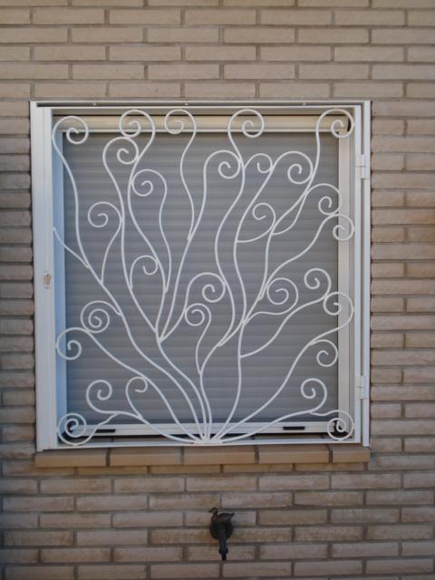 rejas para ventanas rejas de ventanas y puertas rejas de balcones rejas de forja rejas de diseo rejas de forja rejas de ventanas de hierro rejas en puertas