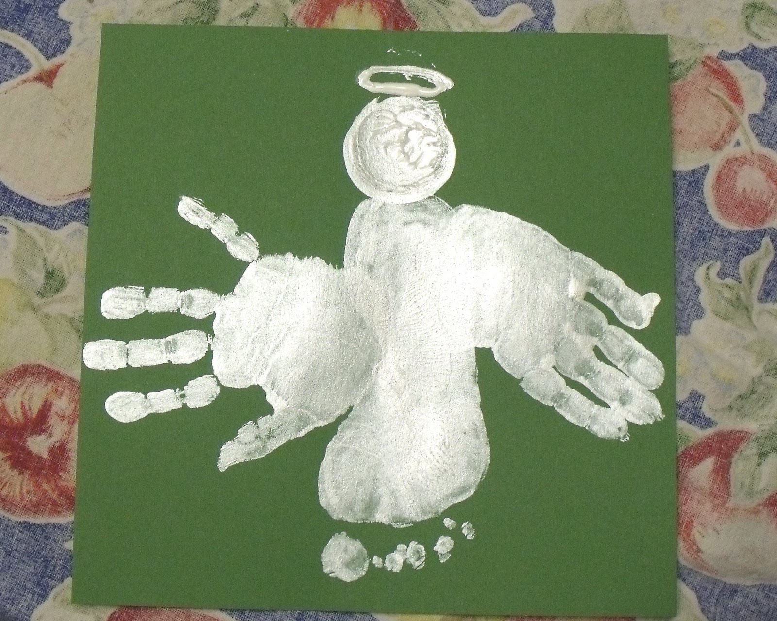 christmas crafts - Footprint Christmas Crafts