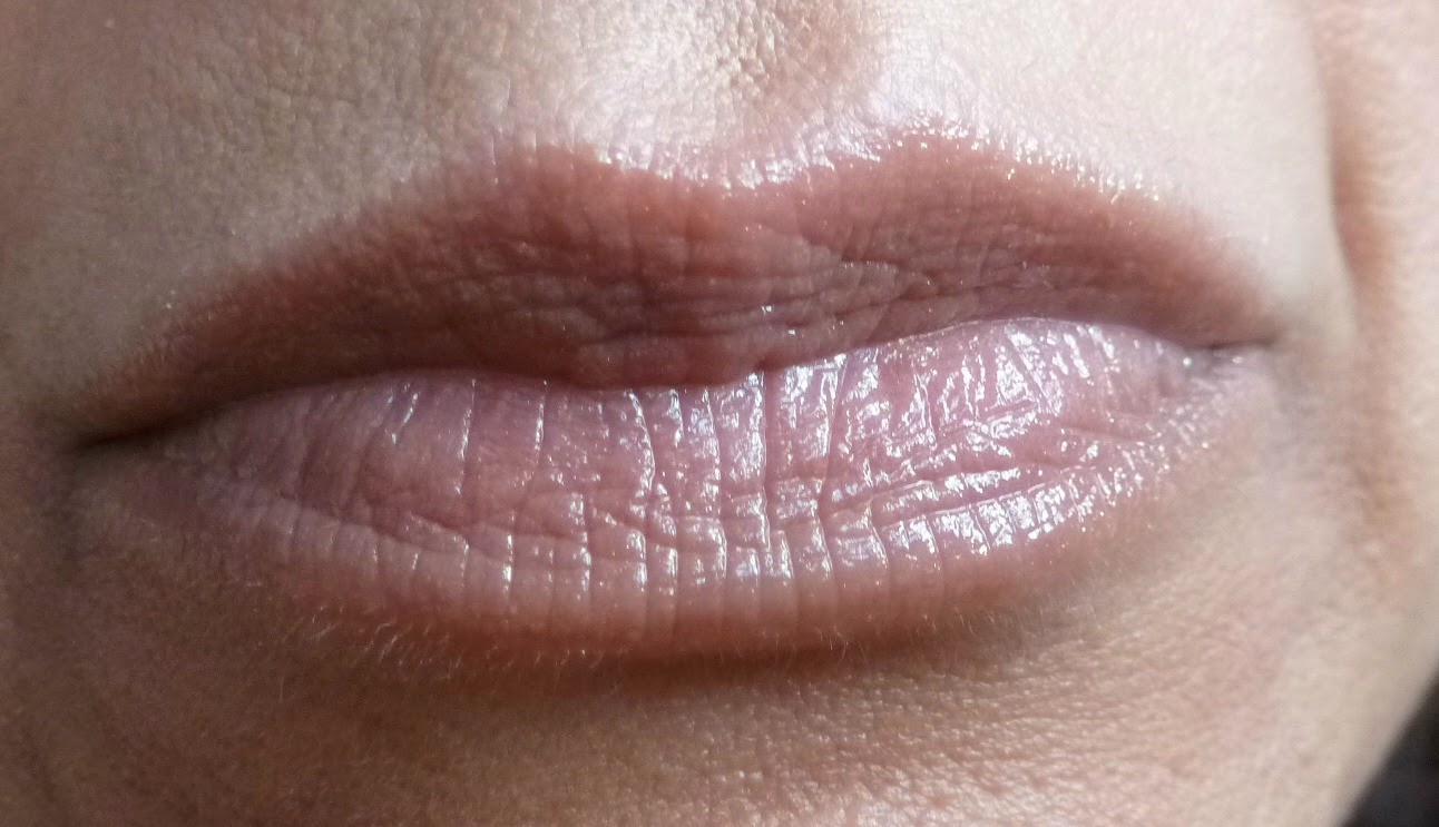 A picture of Soap & Glory Sexy Mother Pucker Extreme Plump Collagen Lip Shine