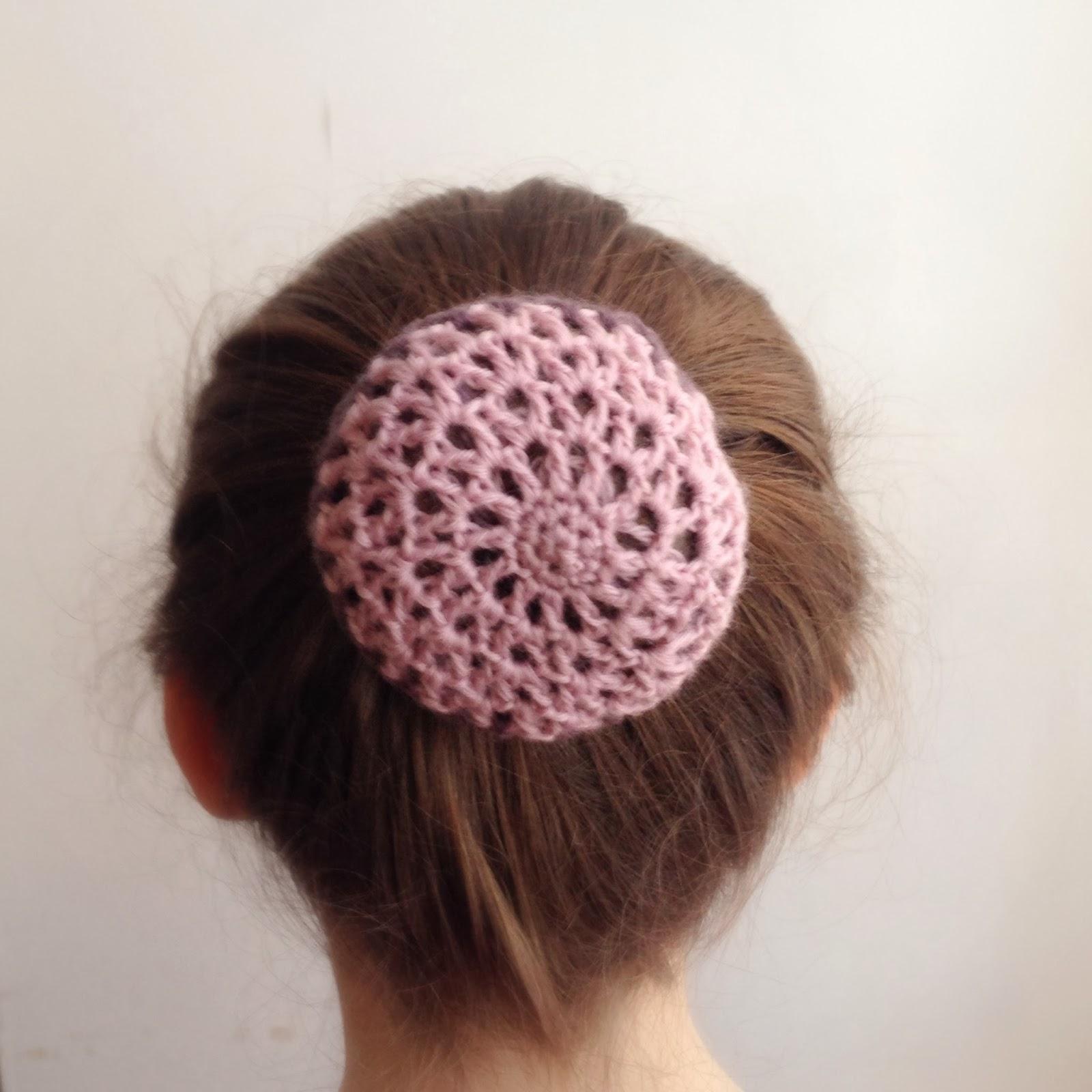 Crochet bun cover © L'Anglaise