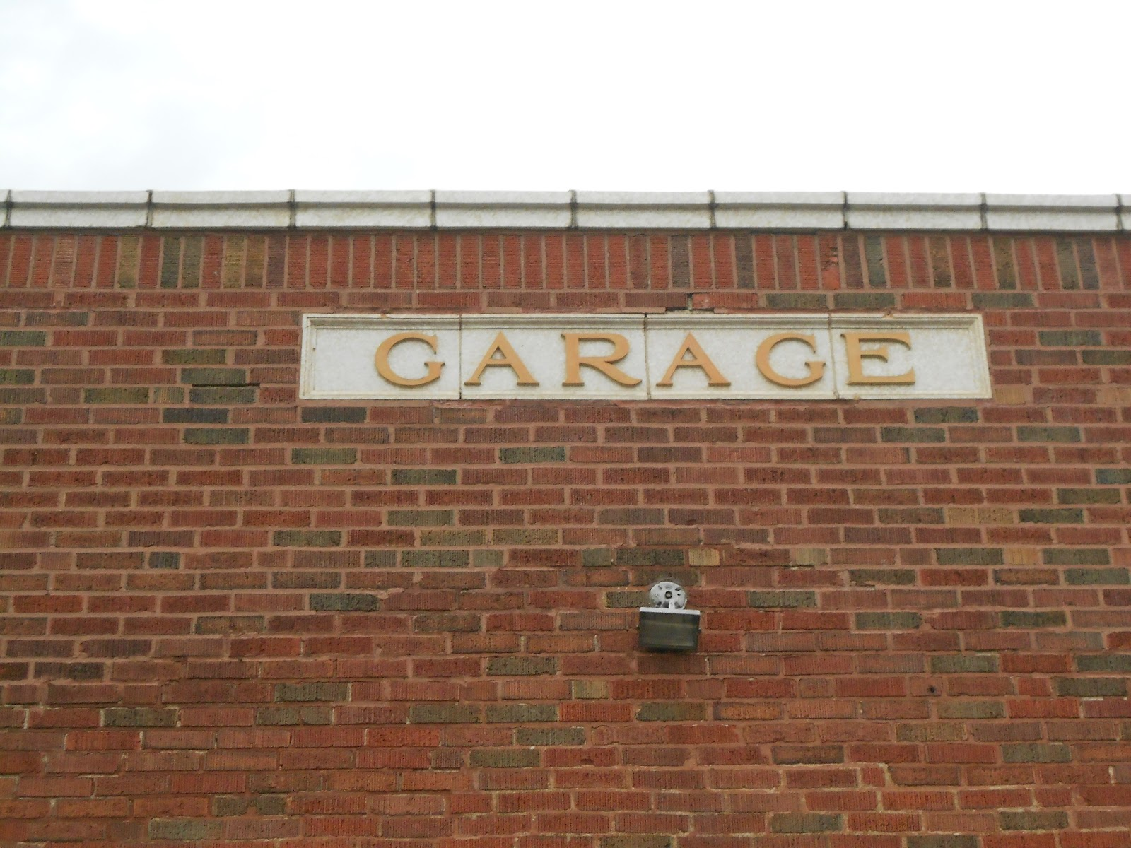 Garage st louis morgan ford road and hartford street for Cost to build a garage st louis