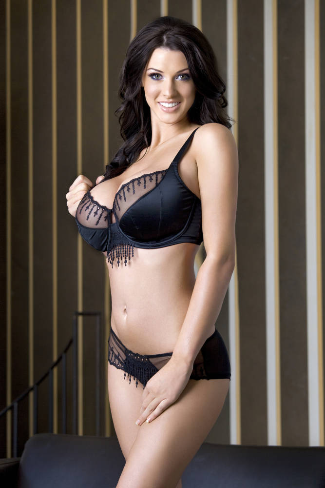 Sexy Girls Of Today: Alice Goodwin – Awesome Brunette