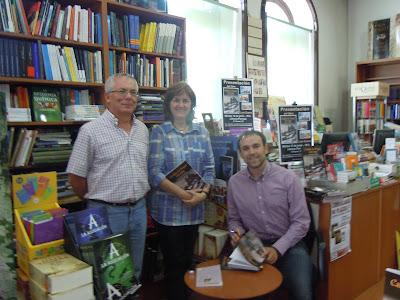 Firma de libros en la Librería Perruca