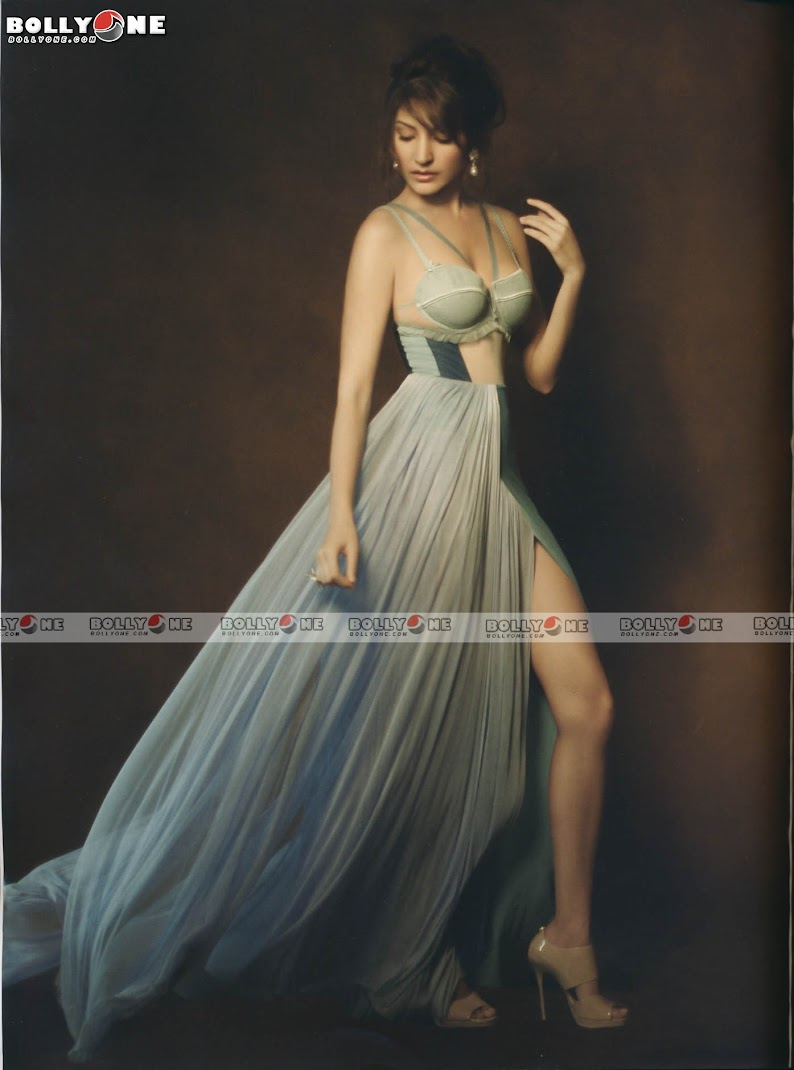 Anushka Sharma L'OFFICIEL Magazine August 2011  Pictures