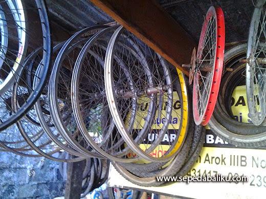 Pasar Loak Denpasar Bali