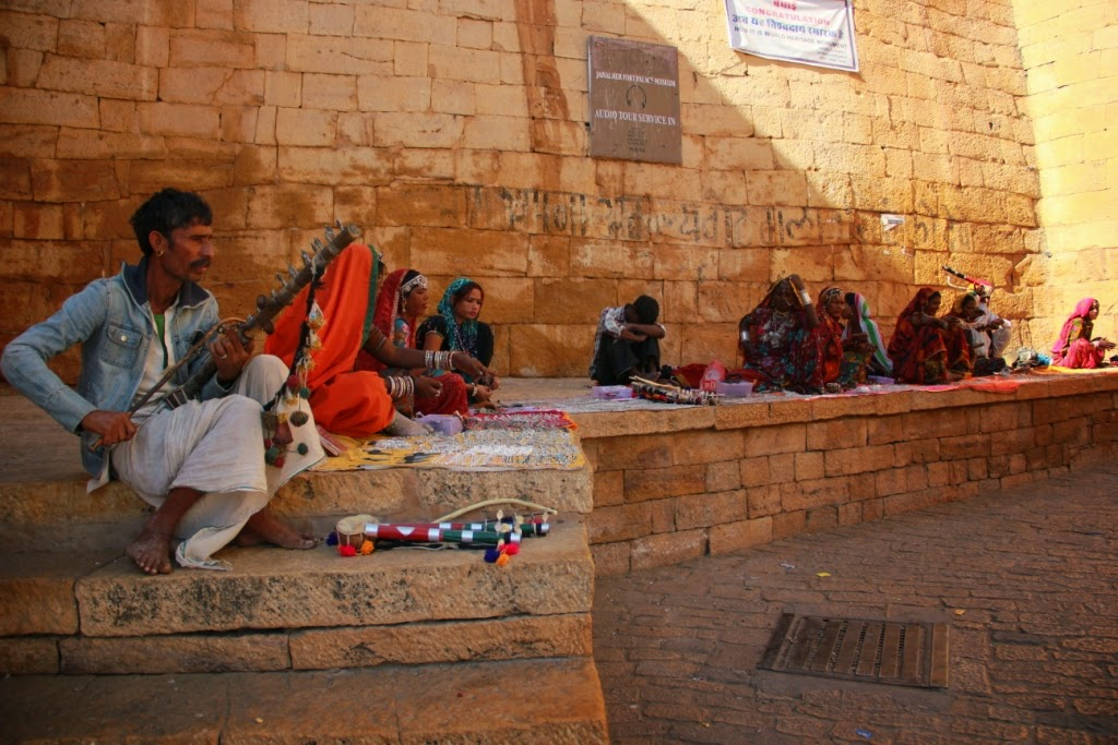 Local artists at Jaisalmer fort