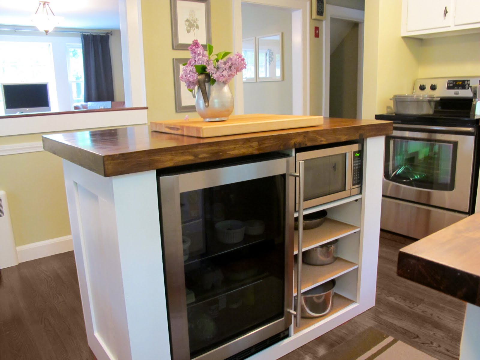 Jenny Steffens Hobick: Kitchen Island | DIY Kitchen Island with