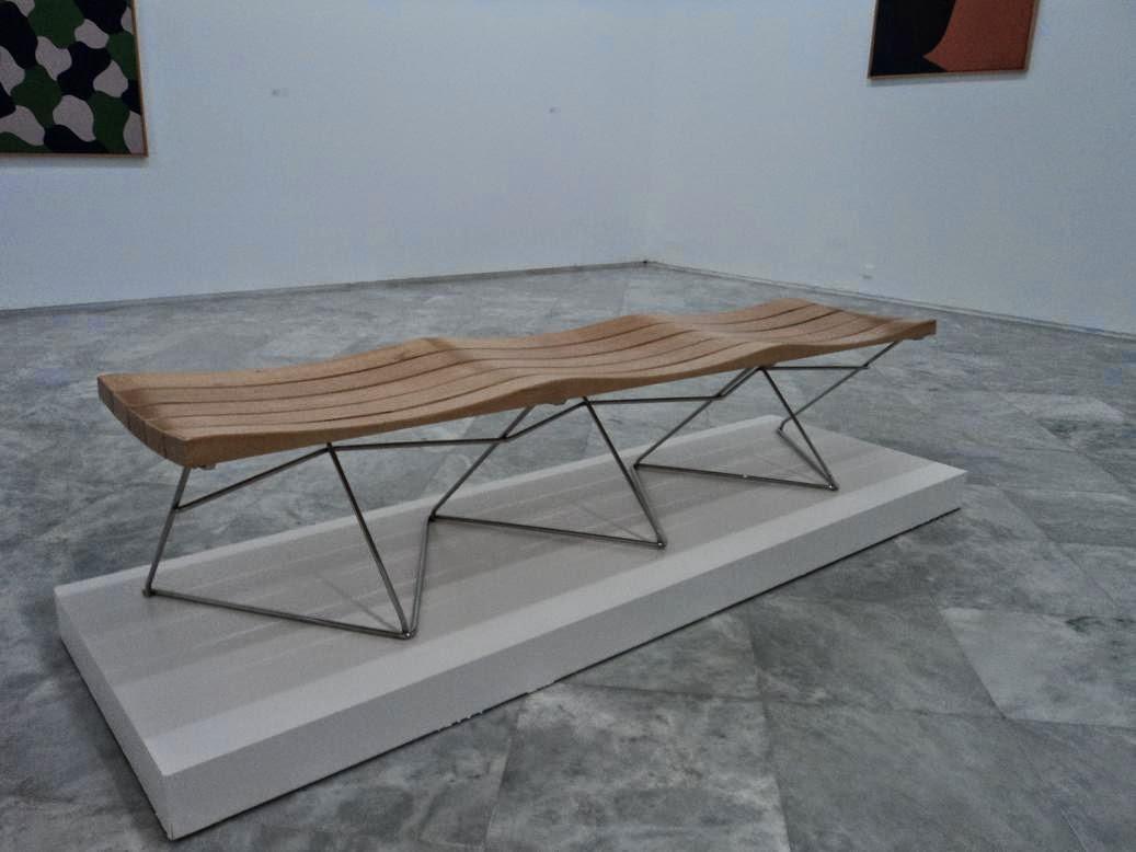 Cultura de sevilla la b squeda de un nuevo mobiliario urbano for Mobiliario urbano contemporaneo