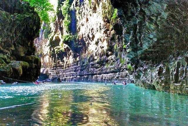 lokasi berenang di green canyon