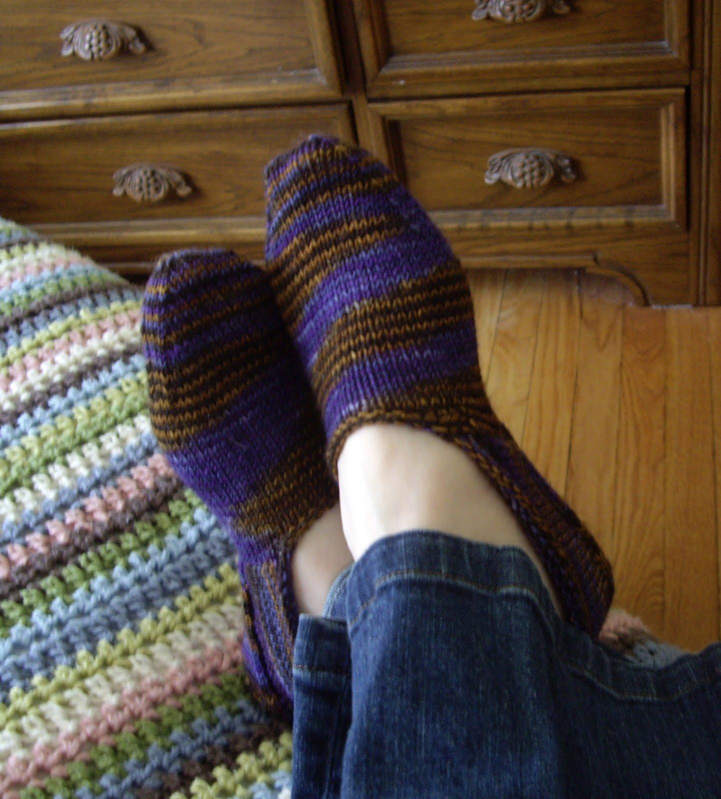 a caffeinated yarn: clog socks, part II