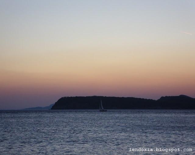 jedrilica na moru