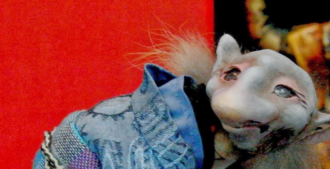 Кукла предсказывает, кукла угадывает, а человек рыдает от своего бессилия перед неизбежностью.  Автор фото председатель НСНБР А.Г.Огнивцев.