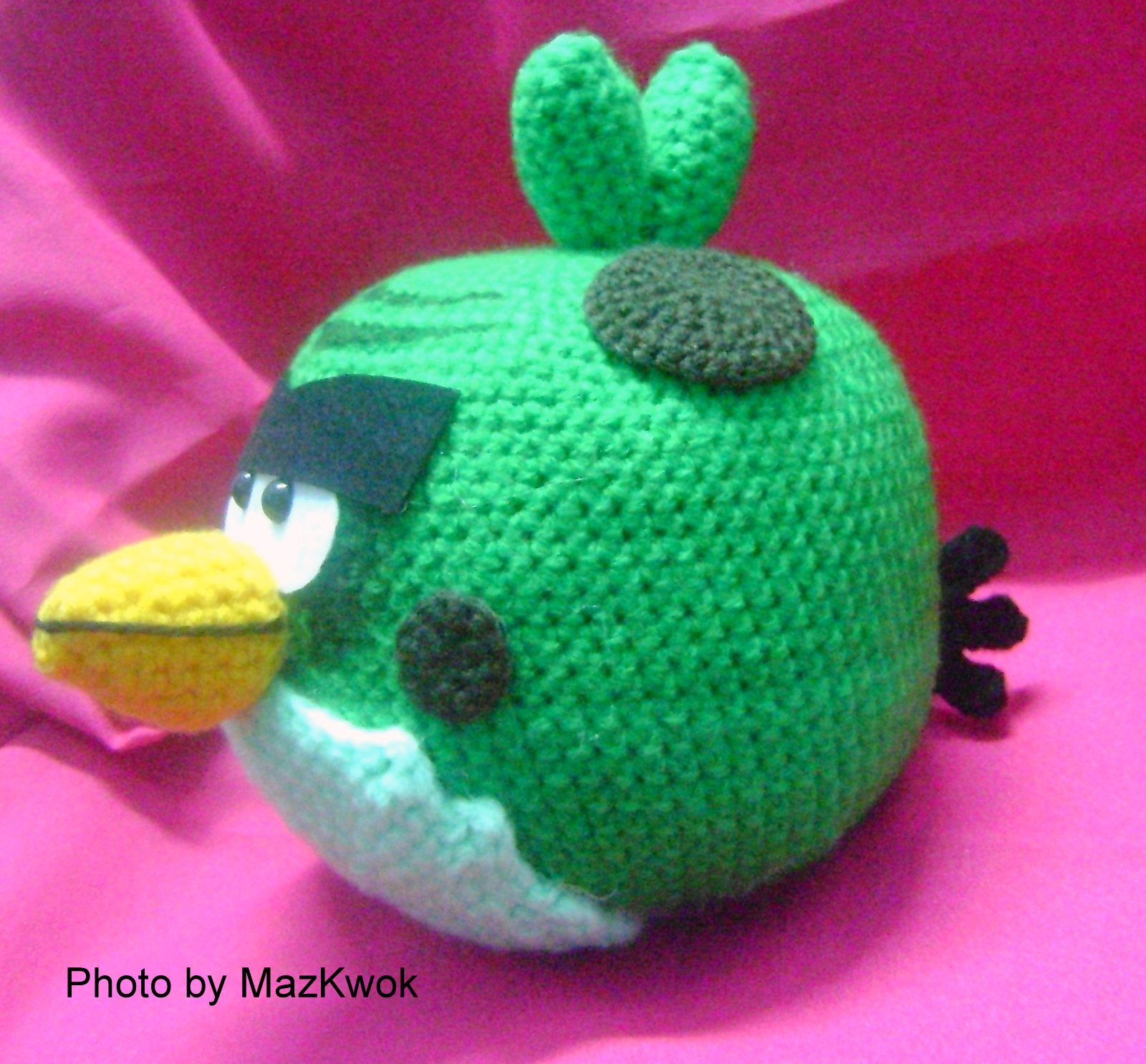 Black Angry Bird Amigurumi Pattern : Big green bird