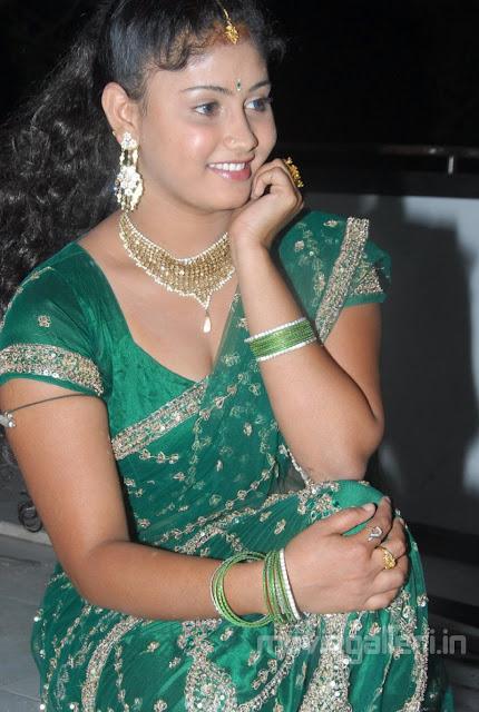 http://3.bp.blogspot.com/-p9KNwhd_z7Q/TVT6gK4x37I/AAAAAAAAFFA/J9qsZ1M60aU/s1600/actress_amrutha_valli_hot_pics_photos_stills_20.jpg