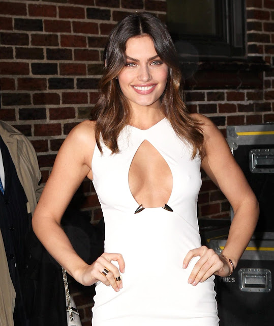 Alyssa Miller - Cleavage - Arrives at 'The Late Show With David Letterman' in New York City