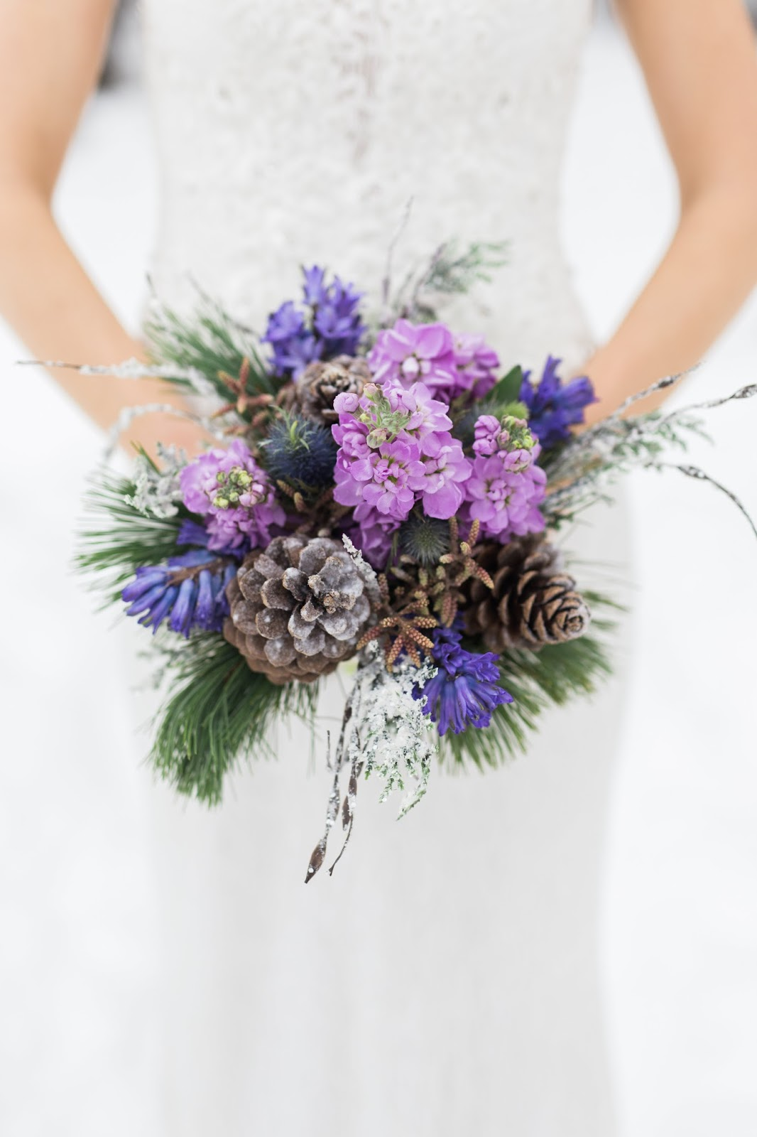 winter wedding flowers, Photography by Dina Remi
