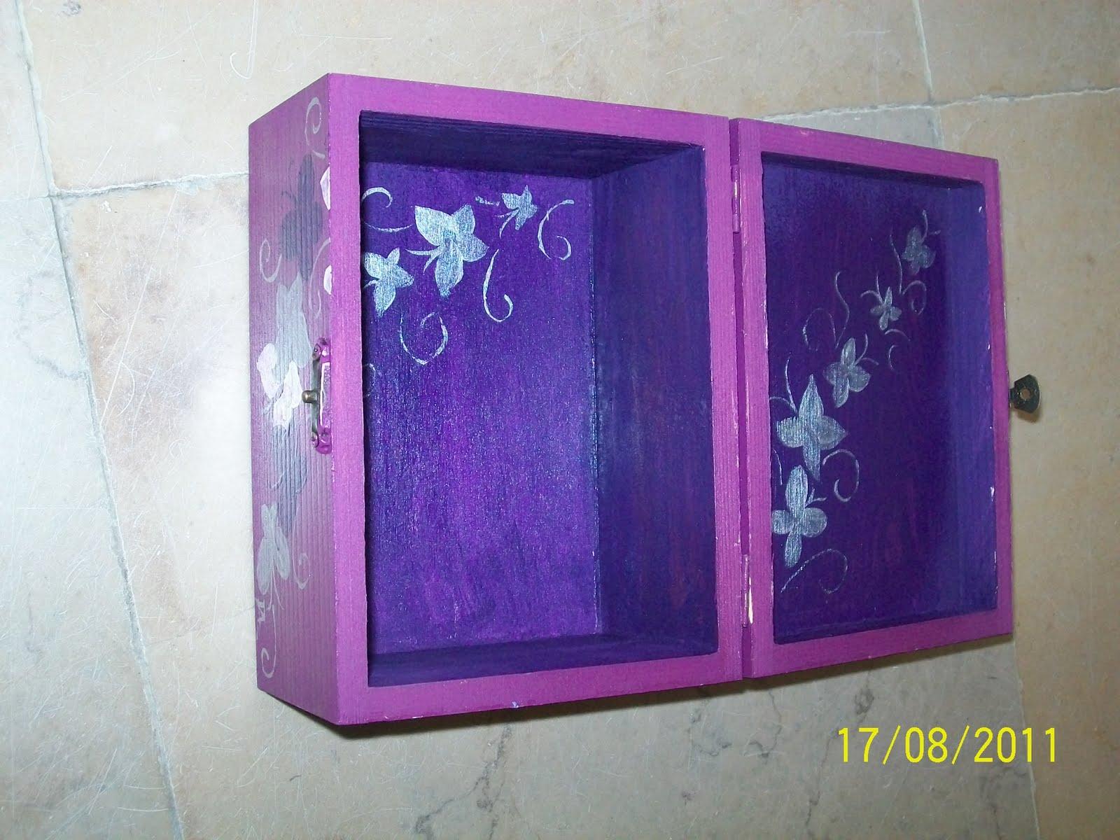 Brincar com as mãos: caixa de madeira pintada à mão #3B2877 1600x1200