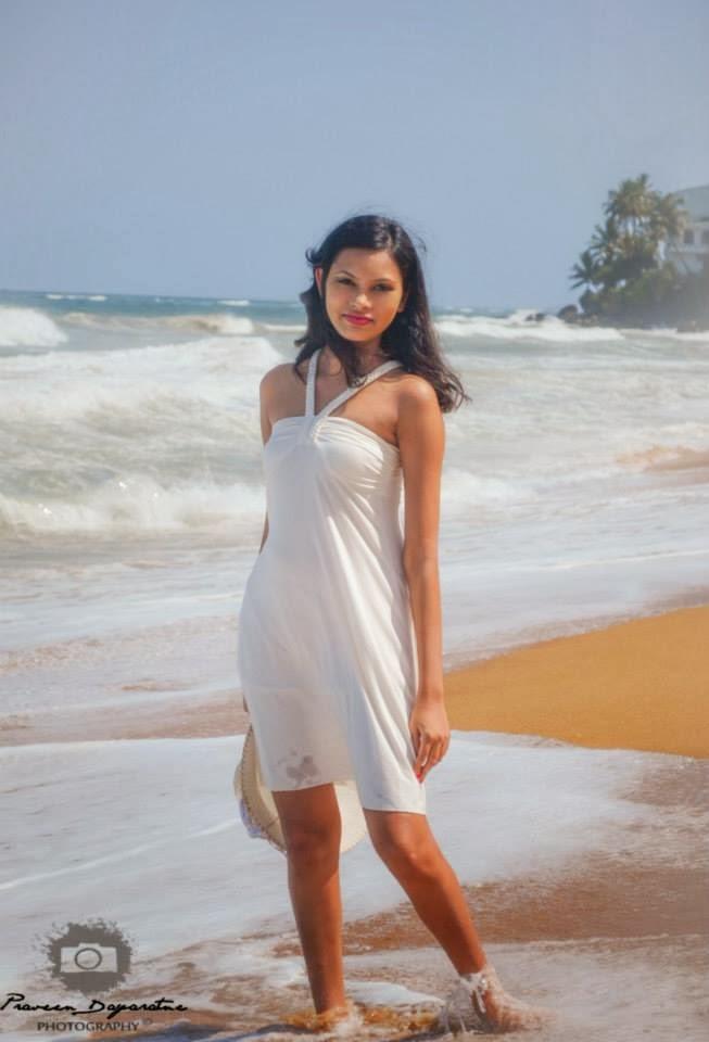 Madhu Mendis sexy