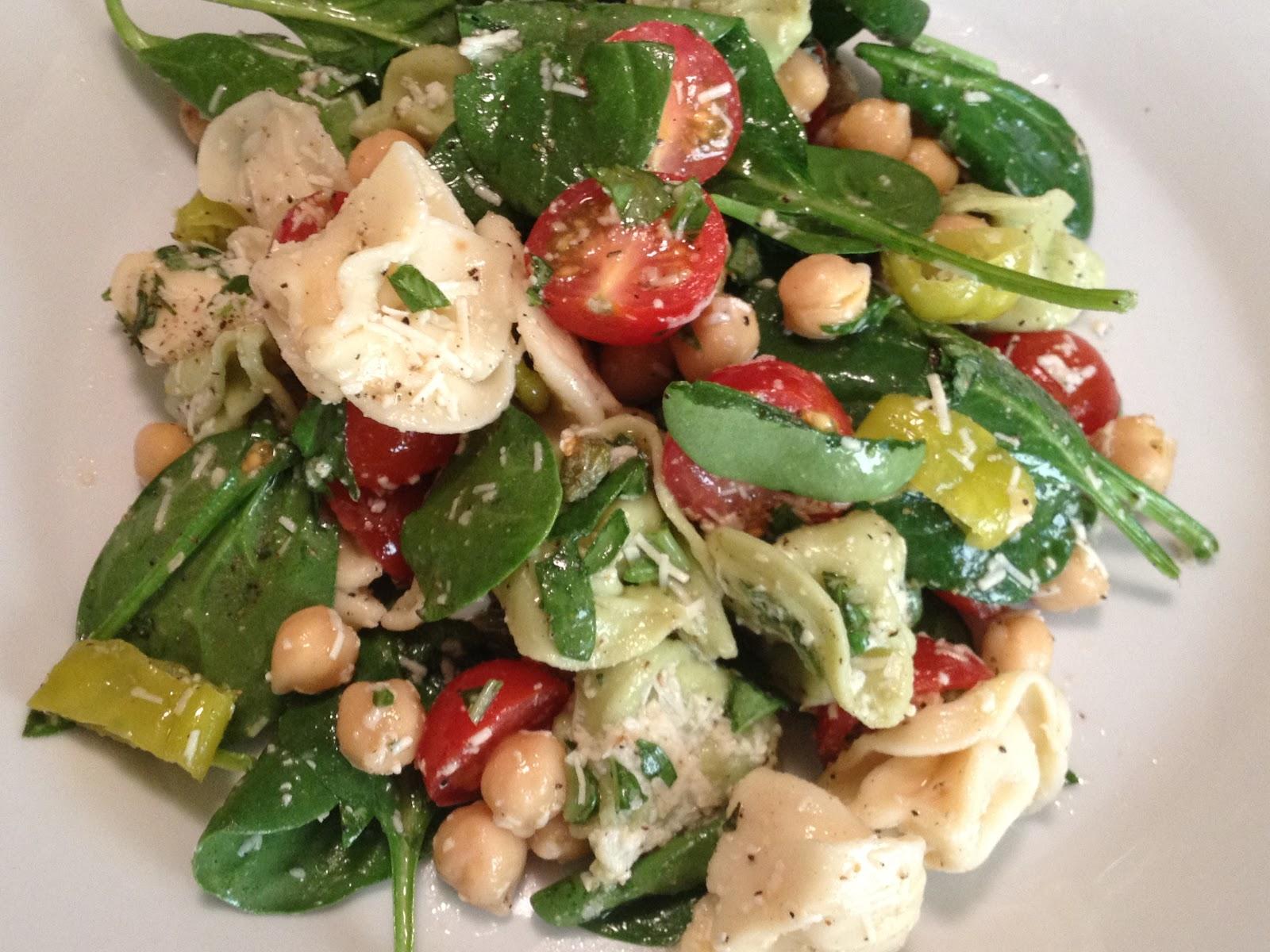 Oregon Transplant: A Week of Salads: Tortellini Pepperoncini Salad