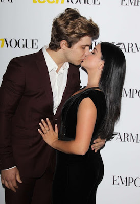 Ariel Winter Kisses Boyfriend Laurent Gaudette