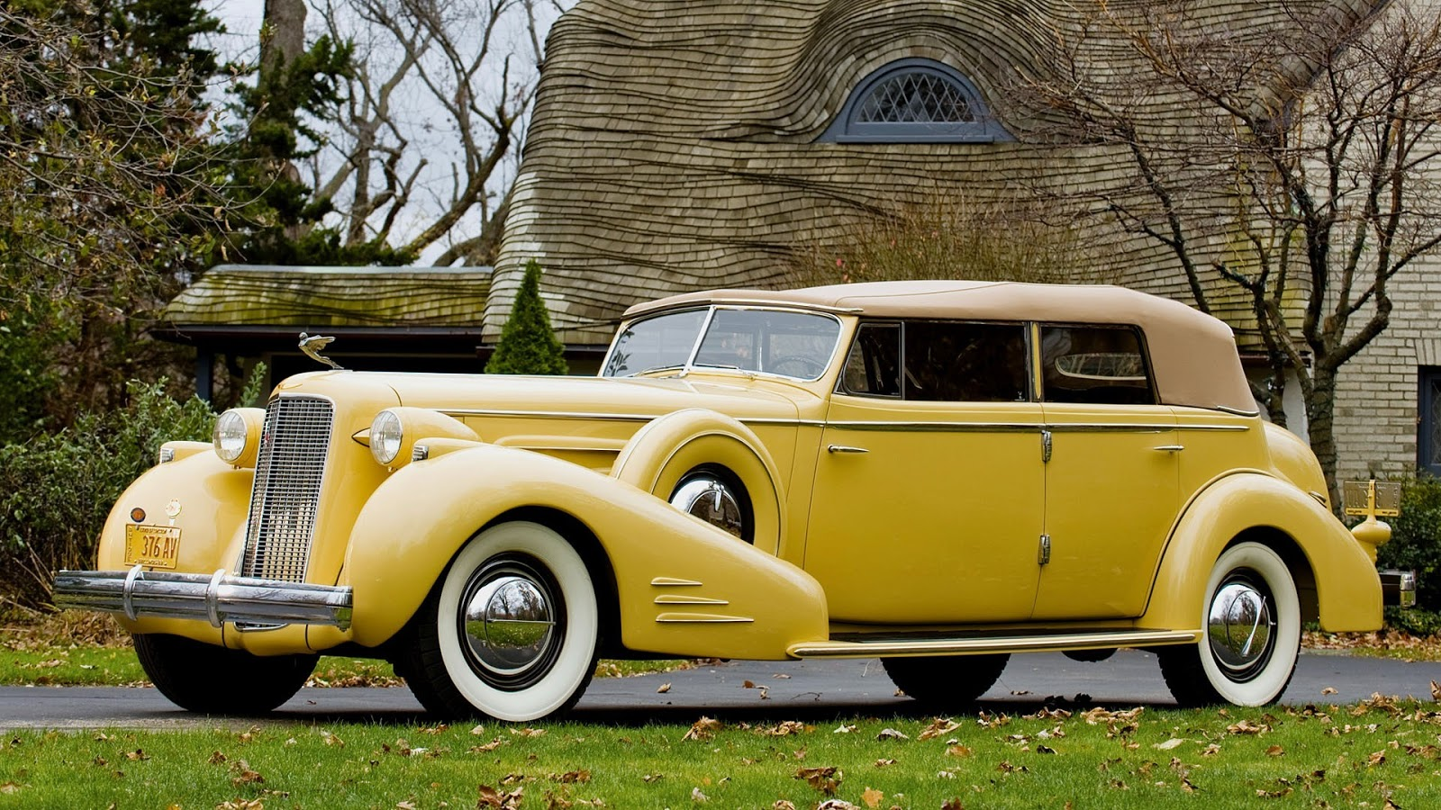 Chicken Feathers: Classic cars from 1935