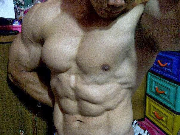 cowok-pria-muscle-sixpack-gay