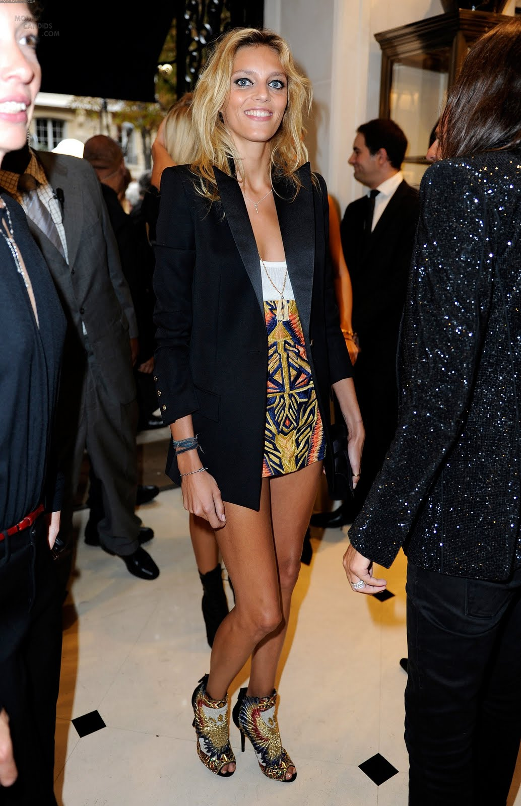 http://3.bp.blogspot.com/-pAEJYqKz4nM/TmqzA_ETs2I/AAAAAAAAHtk/1JYOciIC4N4/s1600/anja-rubik-arrives-to-the-12.jpg