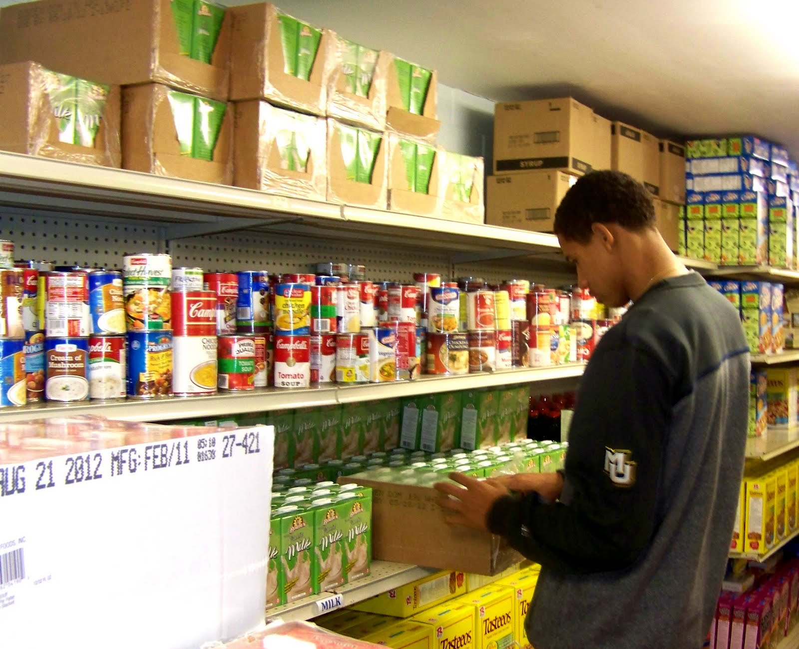 This Fall, Marquette Menu0027s Basketball Team Shared Their Off Court Skills In  Our Food Pantry. They Stocked And Organized Shelves, Passed Out Groceries  To ...