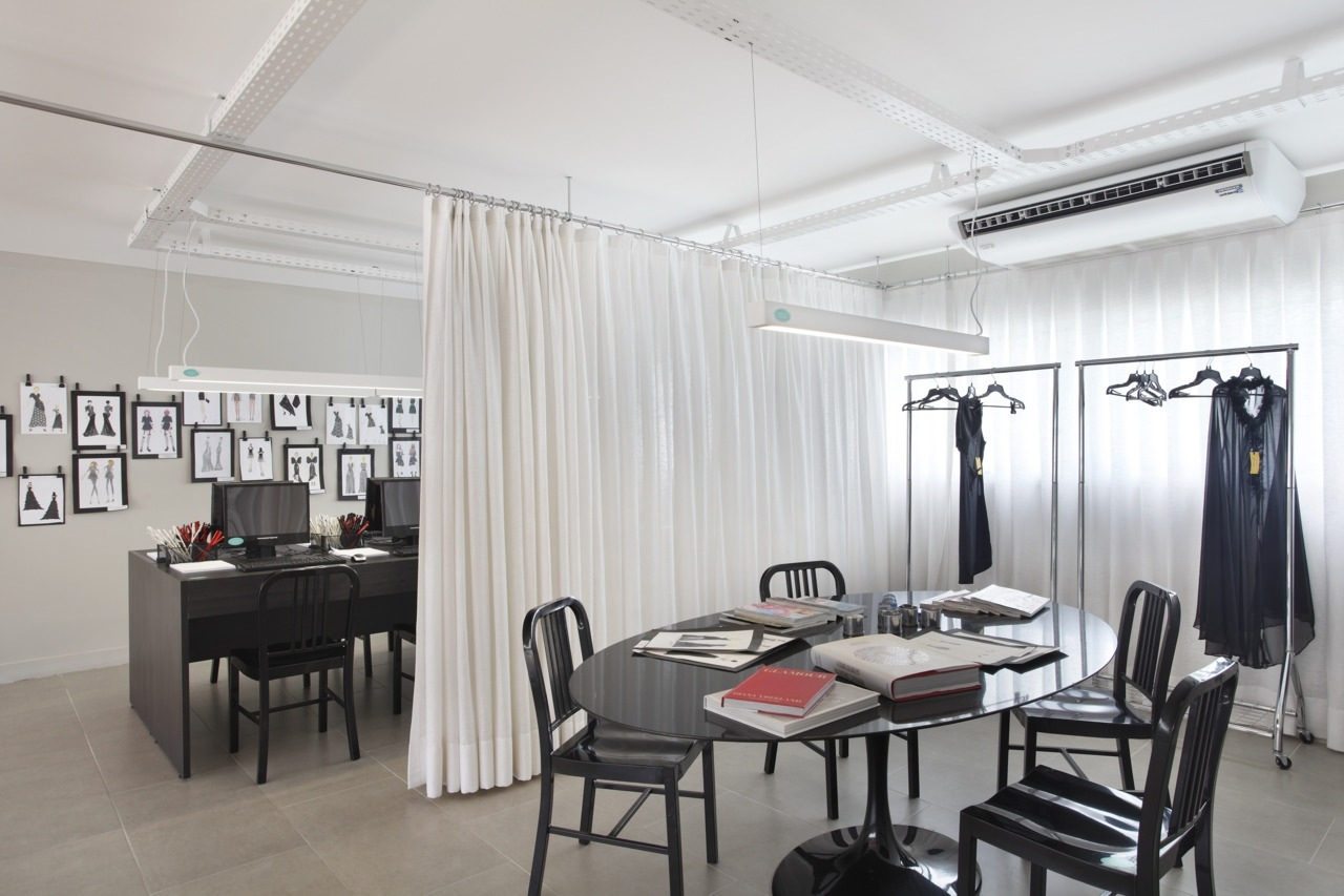 Arquiteta evelyn luci cortinas para dividir for Cortinas para separar ambientes