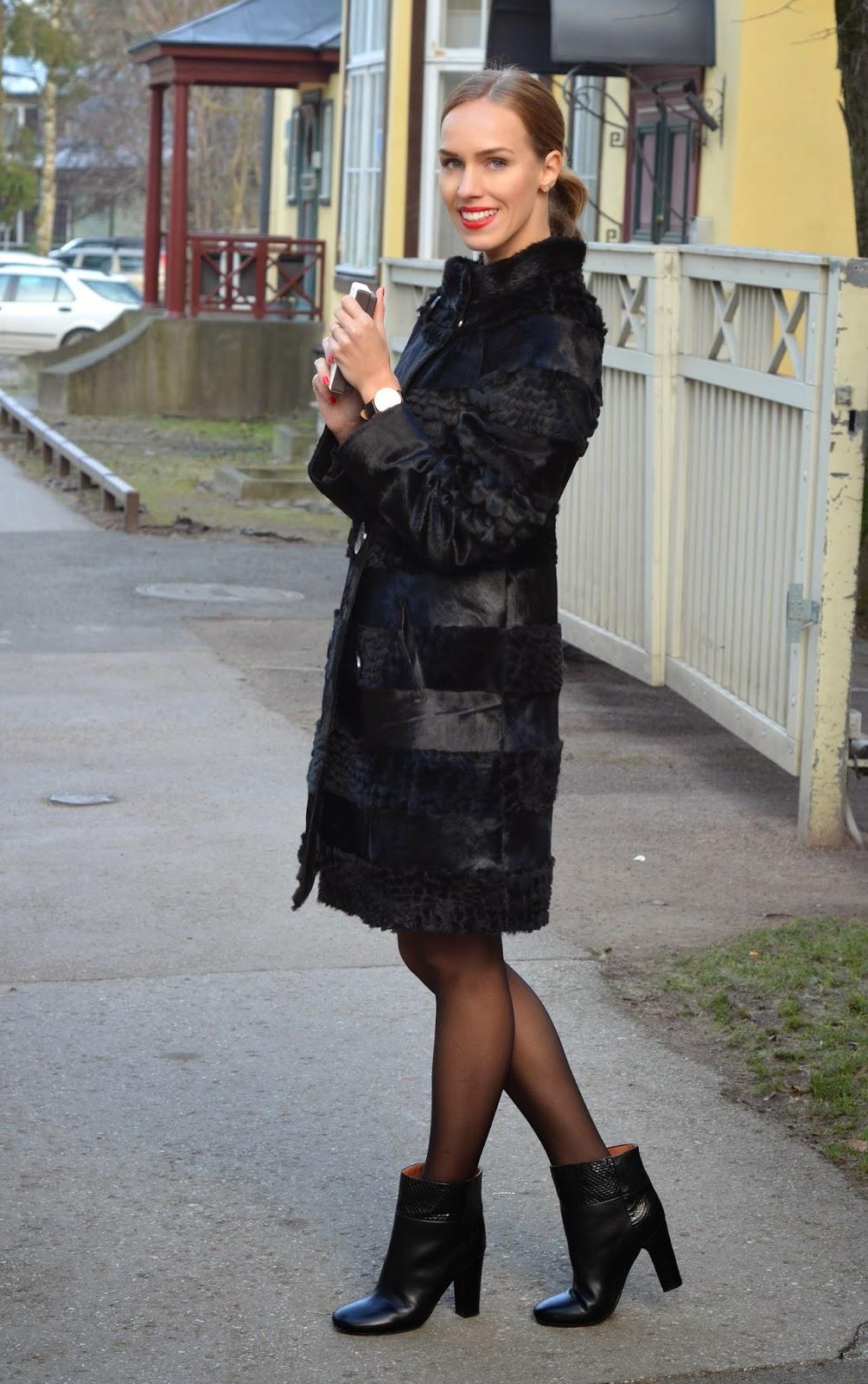 black-pony-fur-coat-chloe-snake-ankle-boots kristjaana mere
